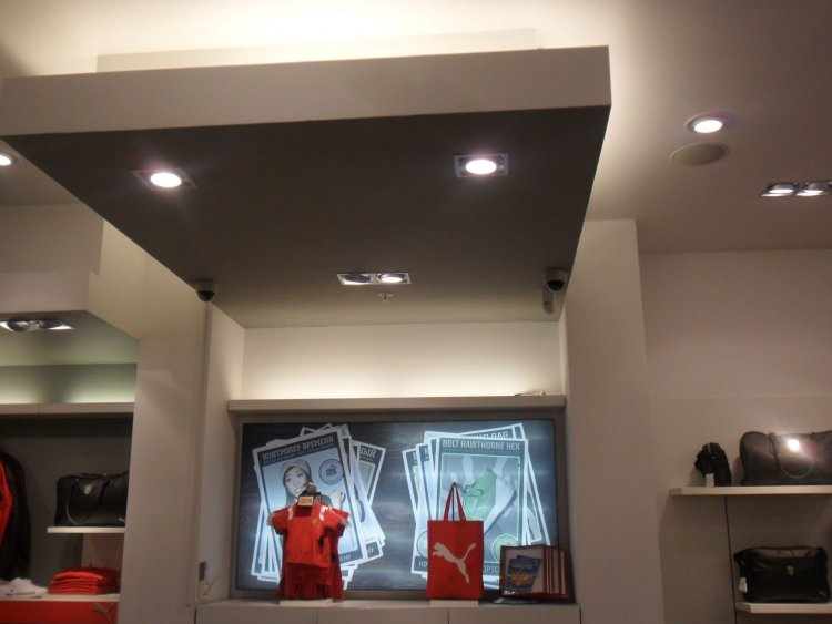 Монтаж видеонаблюдения в магазине спортивной одежды PUMA