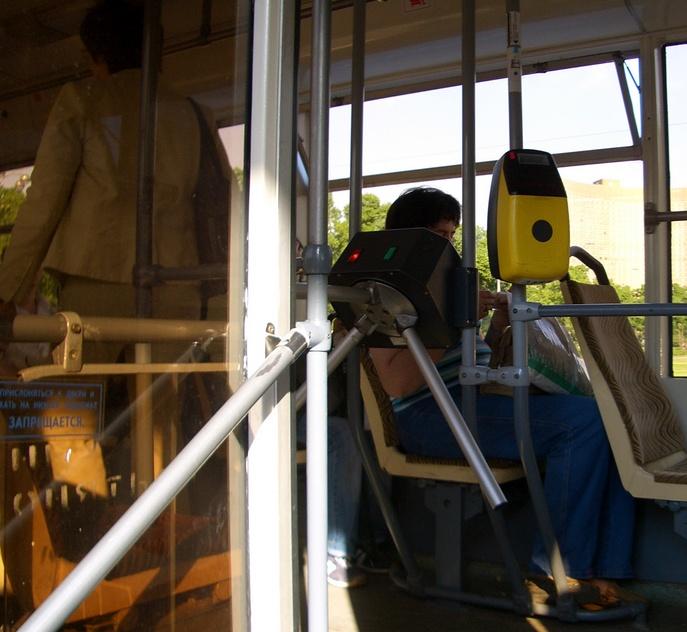 Турникеты в трамваях